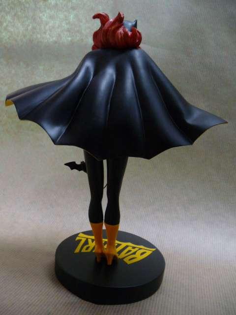 http://img703.imageshack.us/img703/228/batgirl3.jpg